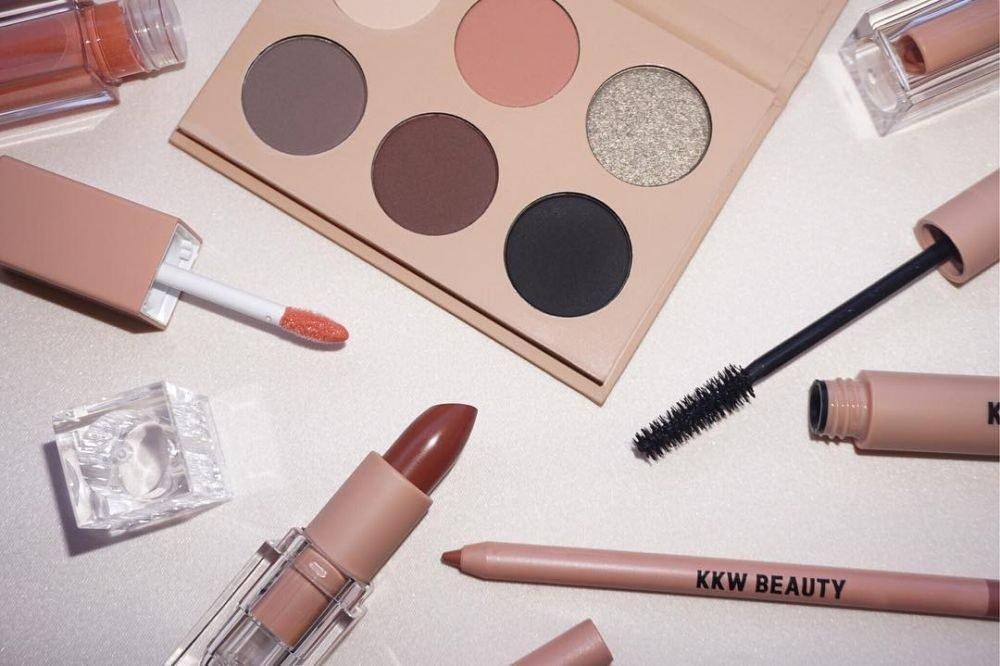 Что за косметический бренд KKW Beauty? Интересные факты
